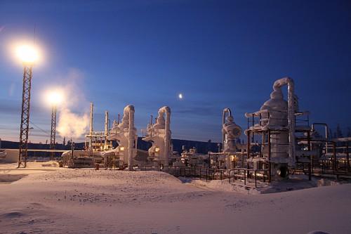 Нефтеперерабатывающий завод на севере России