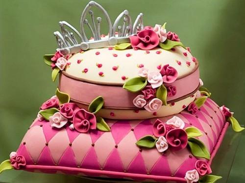 Креативный торт созданный своими руками