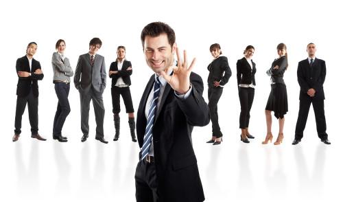 Успешный бизнесмен показывает, что дела у него окей