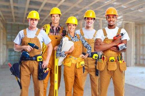 Рабочие строители