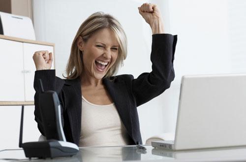 Девушка нашла работу и очень этому рада