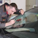 Бизнес идея: выездное устранение сколов и трещин лобового стекла автомобиля
