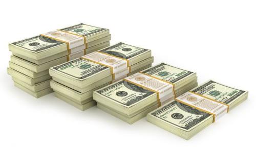 100 долларовые банкноты в пачках