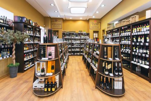 Торговый зал алкогольного магазина