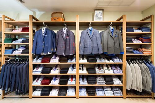 Магазин мужских костюмов, сорочек и галстуков